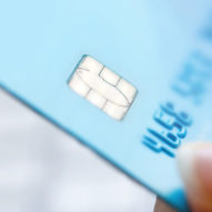 7 Simple Tips for How to Manage Credit Cards Wisely